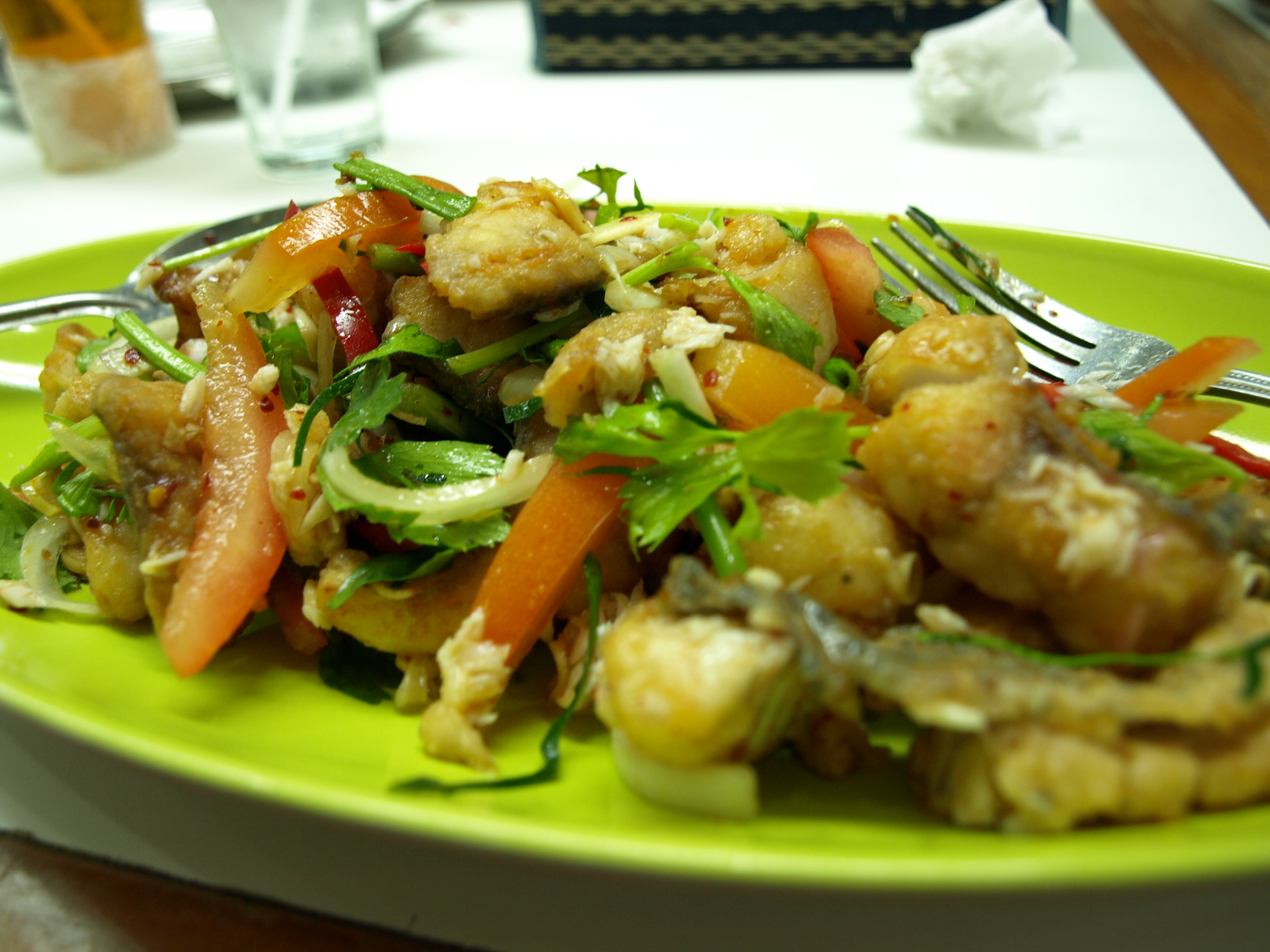 Thai spicy deep fried fish salad life love and yoga for Fish and salad