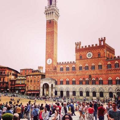 Piazza del Campo, © LIfe Love and Yoga 2013