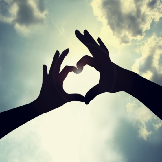 via http://www.chambersburgdentalnews.com/wp-content/uploads/2013/02/Heart-Hands.jpg